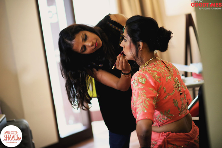 Diwiya's final touch up before the Hindu wedding begins.